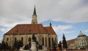 catedrala catolica, statuia matei corvin.