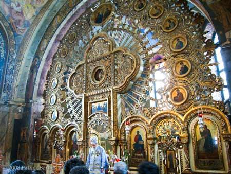 Interior Manastirea Nicula
